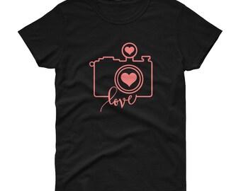 Camera Love Photographer Women's short sleeve t-shirt - love photography - photos - camera - photographer - wedding - gift for her