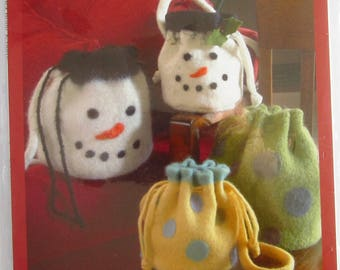 Knitted Felted and Felted Wool Drawstring Bucket Bags: Snowmen and Polka Dot Indygo Junction Pattern IJ744 UNCUT