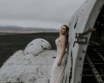Maab 2018 collection. Sensual and feminine beaded lace wedding dress.