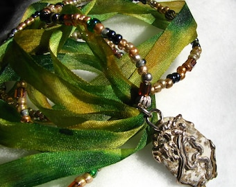 The Colour of Tree, necklace, stone, silver, silk, seed beads