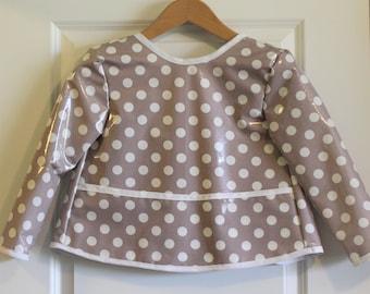 SALE 20% OFF Kids Size 6/7 Long Sleeved Waterproof Art Smock Craft Apron in Gray Polka Dot