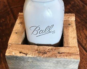 Single Mason Jar Pallet Wood Vase
