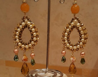 Earrings with yellow agate and crystals