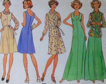 Vintage  Dress and Gown Sewing Pattern UNCUT Simplicity 6999 Sizes 40-42