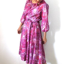 60s Dress Abstract Print Full Skirt Lavender white Vintage 1960s  Day Party dress Size M