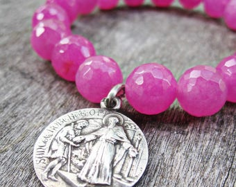 Saint Robert, Orchid Pink Agate Stretch Bracelet, Antique Religious Catholic Medal, 1925 dated, Hot Pink Summery Color, Catholic Jewelry Art