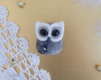 "Brooch "" Owl Alex»"