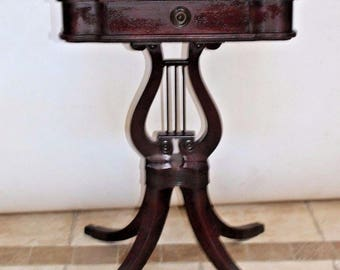 Petite Classic Mahogany Hepplewhite style Harp lyre Accent Table with drawer