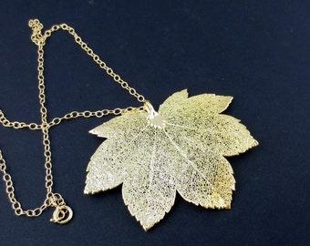 Gold Maple Leaf Pendant/Genuine Maple Leaf Necklace/Nature Jewelry/Gold Maple Leaf Necklace/Natural Leaf/Botanical Jewelry/Organic Jewelry/