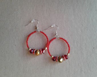 Small red and gold beaded hoop earrings, Rondelle beaded earrings, Memory wire earrings