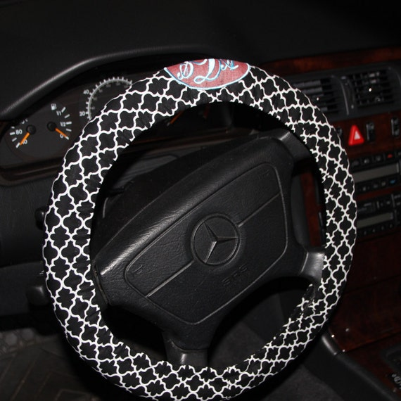 black and white quartifoil steering wheel cover    monogrammed