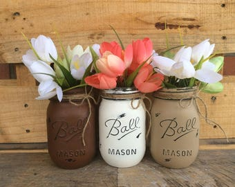 Painted Mason Jars. Vintage Looking. Rustic Wedding. Home Decor. Distressed. Wedding Centerpieces. Fall Vases.