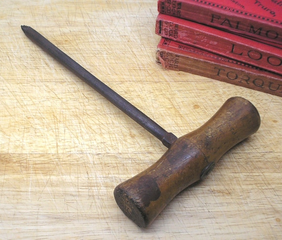 Vintage Auger Tool For Boring Holes In Wood Antique Carpentry