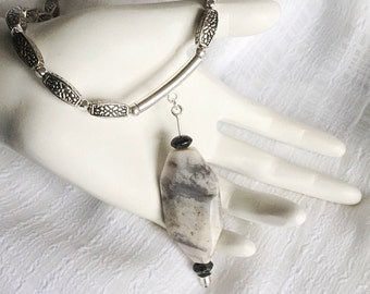 Agate Necklace. Agate Pendant. Silver Bead Necklace. Gemstone Pendant Necklace. Gray Grey Necklace. Chunky Necklace. Agate Pendant Necklace.
