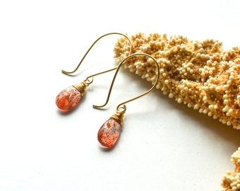 Sunstone drop earrings, Orange gemstone earrings, Orange stone earring, Teardrop dangle, Sunstone earrings, 14k gold, Glittering earrings