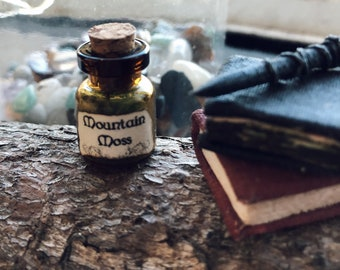 Witch / Wizard magical, miniature, mountain moss vial, 1:12 scale, doll house, apothecary spells and potions, dolls house
