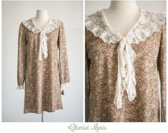 CLEARANCE SALE - Vintage 1970's Cotton Dress - Brown Floral Dress with Lace Ascot Necktie - Long Sleeved Vintage Dress - Size Large