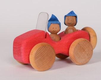 Red wooden jeep, little wooden car by l'Atelier Cheval de Bois