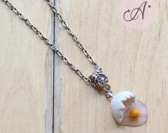 Necklace broken egg in fimo pendant egg, egg yellow, Easter, spring, Easter egg necklace necklace, made to order