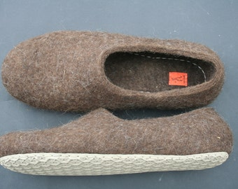 Felted slippers Eco Friendly Men's house shoes Natural Brown wool clogs handmade gift for him Wool
