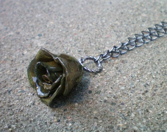 Free Shipping REAL Delicate Grey ROSE BUD Adjustable 15 inch to 19 inch Gun Metal Chain Necklace