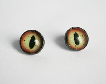 Green Taxidermy Eye Earrings, Taxidermy Earrings, Eye Earrings, Reptile Eye Earrings, Third Eye Earrings, Unique Earrings, Black and Green