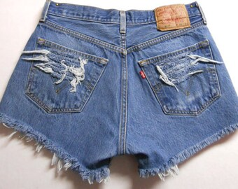 Levis High Waisted Shorts Waist 30 inches