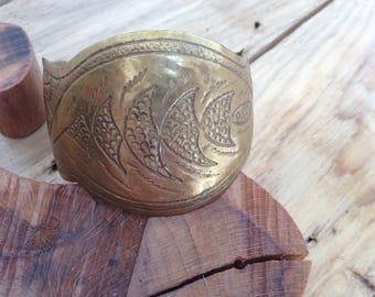 Bracelet, slightly rounded geometric patterns