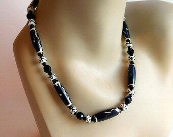 Vintage Carved Bone Batik-Dyed Necklace - African Tribal Ethnic Beaded Necklace - Hand-Crafted, Maasai? - Black & White Zig-Zags Dots