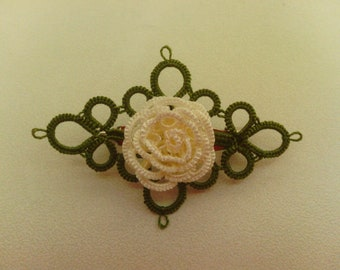 Tatted brooch Rose in white