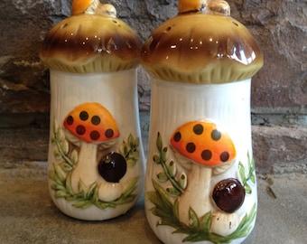 Sears Merry Mushroom Salt & Pepper Shakers Vintage Ceramic Set - #4641