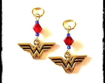 Hörgeräte Charms: Wunder-Super-Helden-Mädchen mit Glas Beads Akzent!  Auch als eine passende Mutter-Tochter-Set erhältlich!
