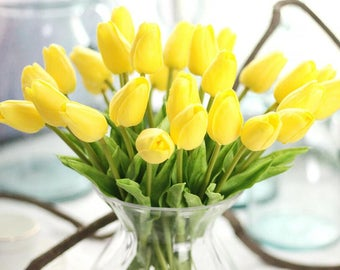 Yellow Tulips Real Touch Tulips Artificial Tulips Yellow Flower Bouquet 20 Stems For Wedding Bridal Bridesmaids Centerpieces MW01502-3
