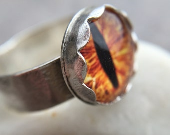 Glass Cat/Dragon Eye Sterling Silver Wide Ring - US Size 6.5