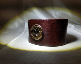 Custom Handmade Steampunk Wrist Cuff Vintage Distressed Leather Beautiful Color Made in the USA