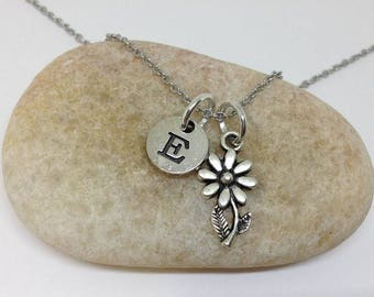 Personalized Initial Daisy necklace, Everyday necklace, Bridesmaid gift, Wedding necklace