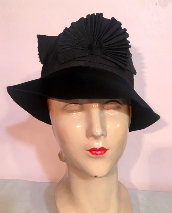 Vintage 1930s Beaver Cloche Style Hat by Margot Modes