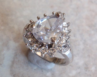 Pear Crystal Ring Round Silver Tone Size 9-3/4 Vintage V0280
