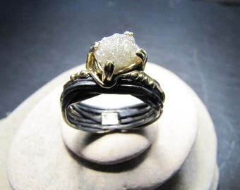 Ring in brown 925 silver thread, 18kt yellow gold and 2,38 ct. Raw diamond