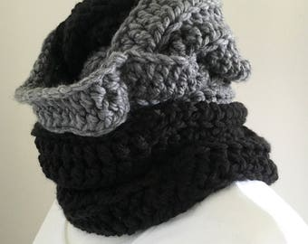 chunky cowl || circle scarf || the Guilford shown in black and grey