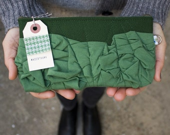a roundy-bottomed tough ruffles zipper purse in forest and dusty emerald