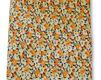 Frederick Thomas brown and orange floral pocket square FT3358
