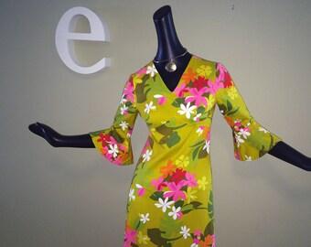 Vintage 60s 70s MOD Hawaiian Dress 1960s 1970s Hippie Boho Bell Sleeve Psychedelic Flower Power Floral Print Tiki Oasis Beach Wedding Small