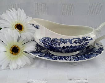 Myott The Hunter Blue Gravy Boat and Underplate, Made in England
