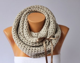 crochet loop infinity scarf,big crochet scarf chunky scarf cowl scarf