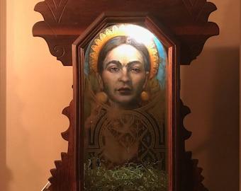 La Reina - Frida Kahlo Oil Painting Illuminated Victorian Shadowbox