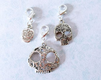 Set of 3 sugar skull stitch marker / progress keeper for knitting or crochet. Silver plated + 14mm clasp. Made by Kathryn Crafternoon Treats