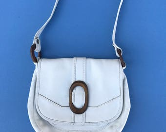 Vintage 1970's Handbag ~ White Leather Handbag Purse Pocketbook With Wood Rings, 12 Inch By 10 Inch  Without Strap ~ Very Good Condition