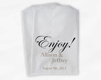 Enjoy Wedding Candy Buffet Treat Bags - Personalized Favor Bags with Couple's Names and Wedding Date - Custom Paper Bags (0026)