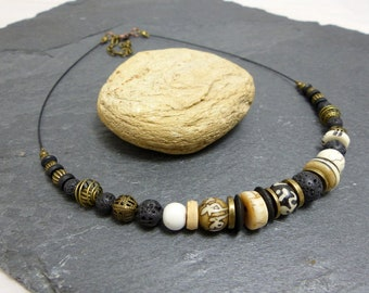 Black white ethnic inspired necklace bronze (co2)